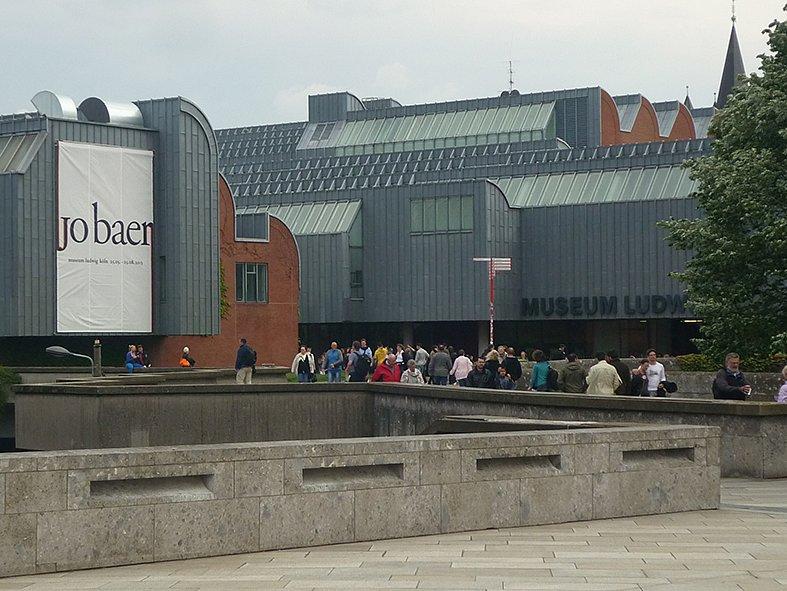 jo-bear-museum-ludwig.jpg